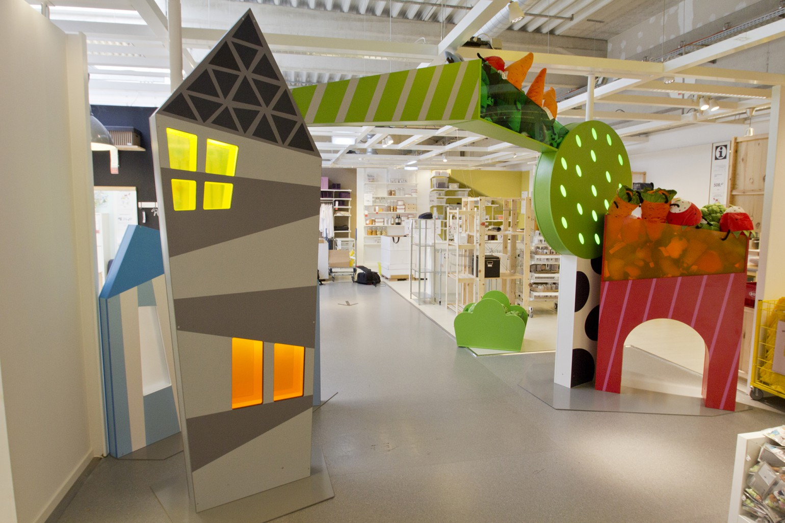 Childrens_IKEA_entrance_3.jpg