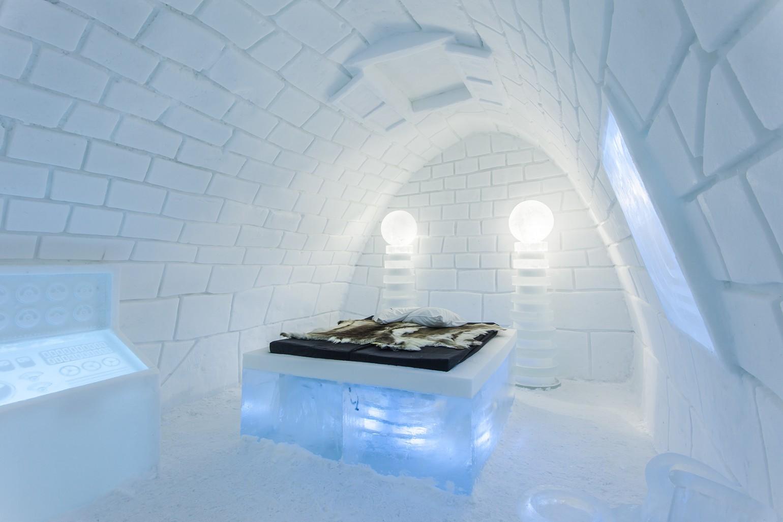 its_alive_1_photo_christian_stromqvist_design_icehotel